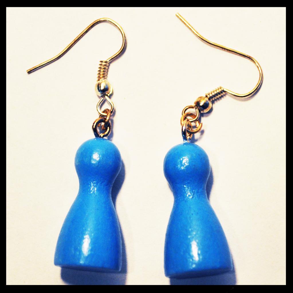 boucles d'oreilles pions bleus clairs
