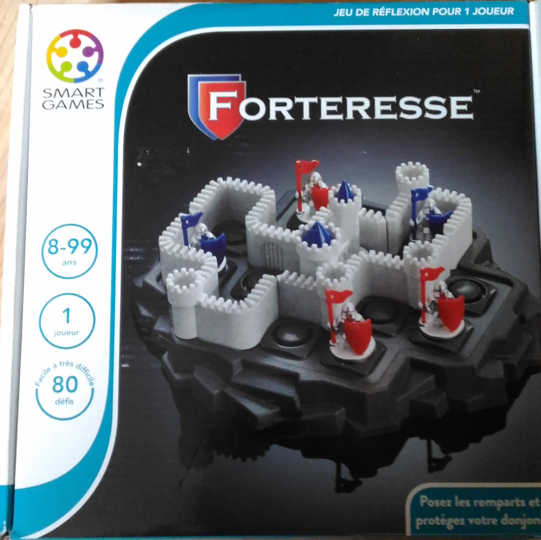 acheter forteresse d 39 occasion sur okkazeo petites annonces de jeux de soci t. Black Bedroom Furniture Sets. Home Design Ideas
